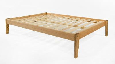 Furniture Warehouse on Collegiate Furniture The Oak Plateau Platform Bed From The Platform